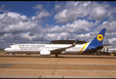 UKRAINE INTERNATIONAL  737-900  UR-PSI